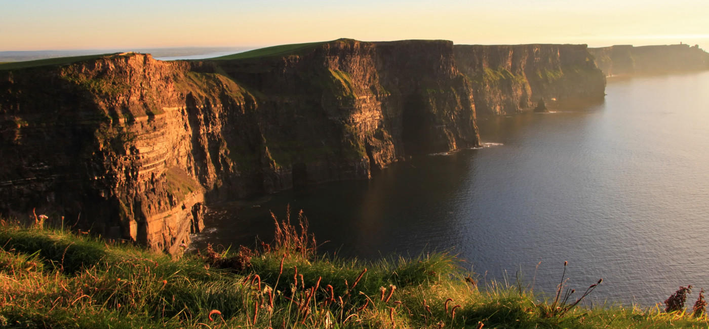 dub_cliffs_1400x650.jpg