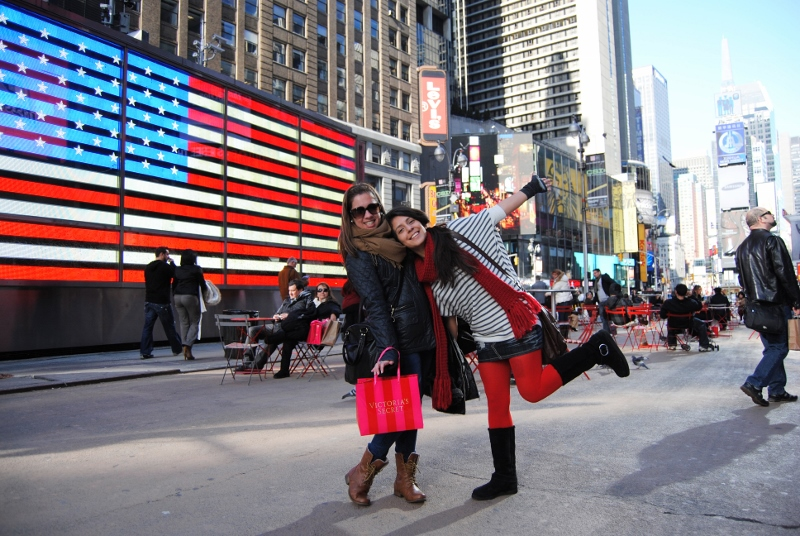 Students-in-Times-Square-2-800x536.jpg