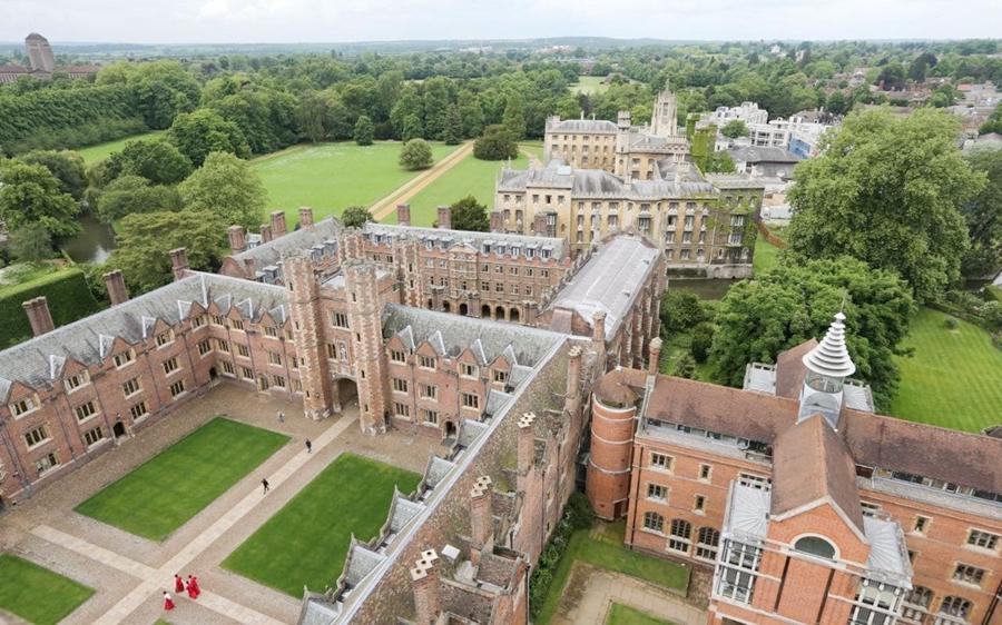 St_John's_College_University_Cambridge-xlarge_trans++eo_i_u9APj8RuoebjoAHt0k9u7HhRJvuo-ZLenGRumA.jpg