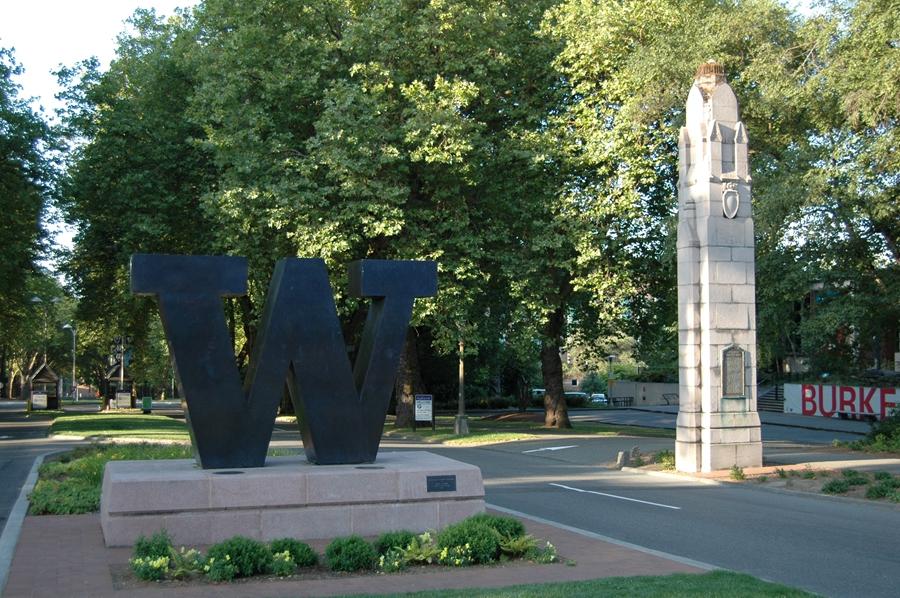 University_of_Washington,_Seattle,_WA.jpg