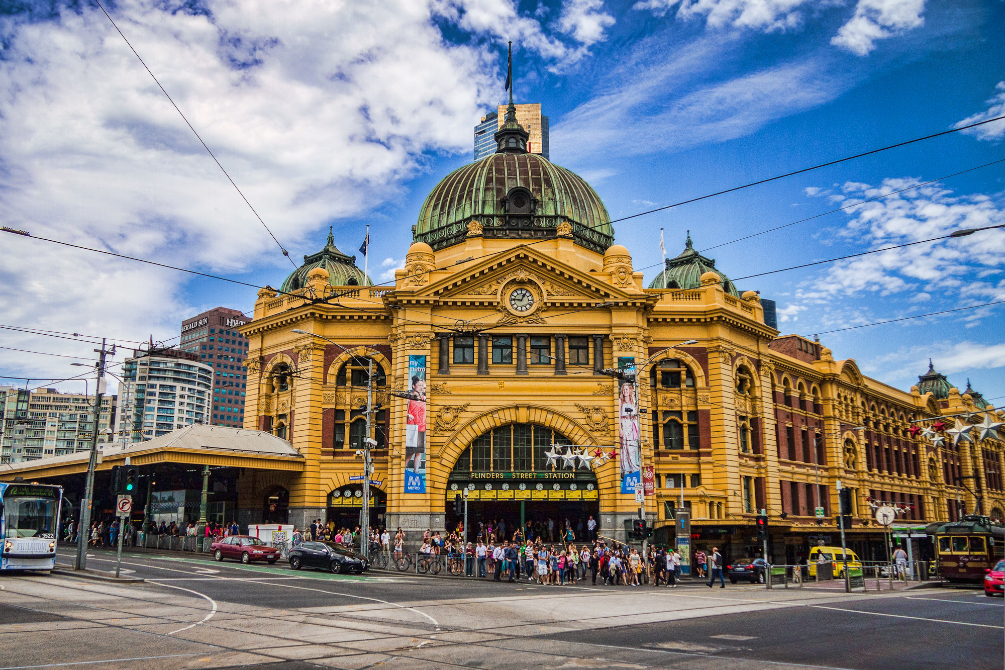 flinders_street_station_melbourne_accomodation.jpg
